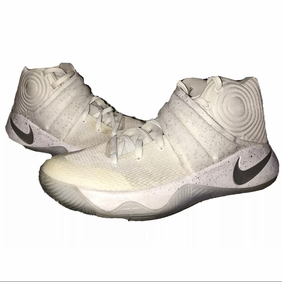 Nike Kyrie 2 Basketball Shoes Mens Size 9